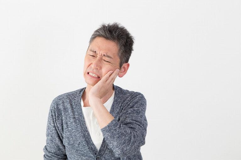 欠損歯の放置は、お口全体の健康に悪影響を及ぼします。